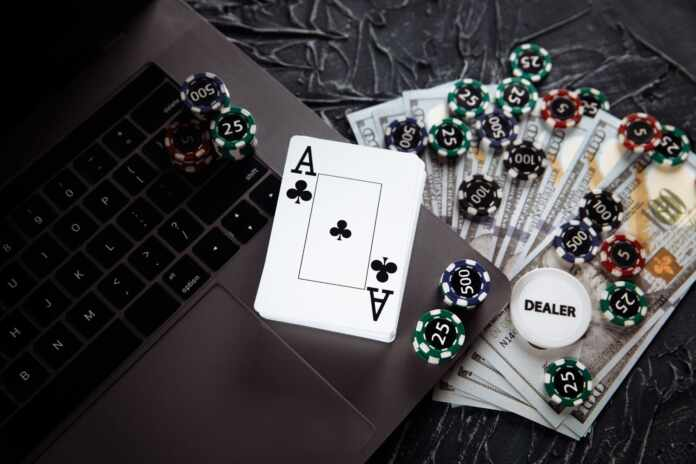 Make Money by Playing Online Casino