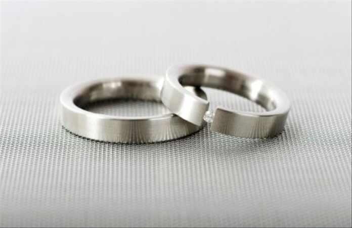 wearing stainlesssteel wedding bands